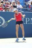 Jogador de tênis profissional Johanna Konta de Grâ Bretanha na ação durante seu terceiro fósforo do US Open 2015 do círculo Imagens de Stock