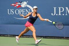 Jogador de tênis profissional Varvara Lepchenko do Estados Unidos na ação durante o segundo fósforo do círculo no US Open 2015 Imagens de Stock