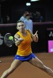 Jogador de tênis Simona Halep da mulher durante um jogo Imagens de Stock