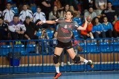 Jogador do handball na ação durante o handb grego do final da Taça das mulheres Fotografia de Stock