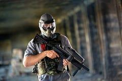 Jogador do Paintball com máscara protetora Foto de Stock Royalty Free