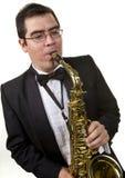 Jogador do saxofone isolado no branco Imagens de Stock