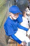 jogador do T-Ball dos anos de idade 5. fotografia de stock