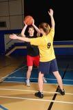 Jogadores de basquetebol Fotografia de Stock