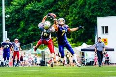 Jogadores de futebol americano Imagens de Stock Royalty Free