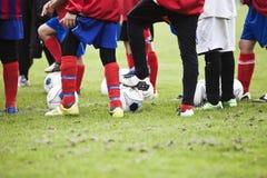 Jogadores de futebol novos Imagens de Stock
