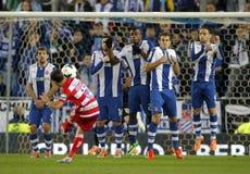 Jogadores do RCD Espanyol na parede do pontapé livre Fotos de Stock