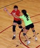 Jogadores não identificados do handball na ação Imagens de Stock