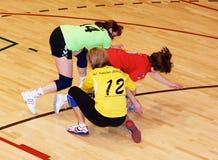 Jogadores não identificados do handball na ação Imagem de Stock Royalty Free