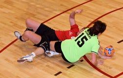 Jogadores não identificados do handball na ação Foto de Stock Royalty Free