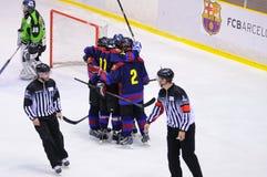 Jogadores na ação no final do hóquei em gelo do Copa del Rey Fotos de Stock