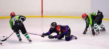 Jogadores na ação no final do hóquei em gelo do Copa del Rey Fotografia de Stock
