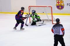 Jogadores na ação no final do hóquei em gelo do Copa del Rey Imagem de Stock Royalty Free