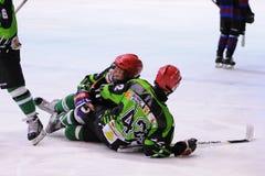Jogadores na ação no final do hóquei em gelo do Copa del Rey (copo espanhol) Imagens de Stock Royalty Free