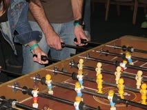Jogadores na tabela de Foosball Fotografia de Stock Royalty Free