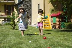 Jogando a esfera de bocce Fotografia de Stock Royalty Free