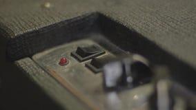 Jogando a guitarra elétrica vídeos de arquivo
