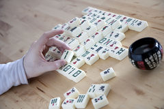 Jogando Mahjong Imagens de Stock Royalty Free