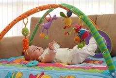 Jogando o bebê imagens de stock royalty free