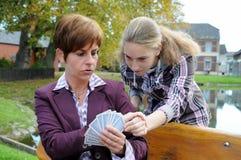 Jogando o pôquer Foto de Stock Royalty Free