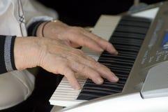 Jogando o teclado Imagens de Stock Royalty Free