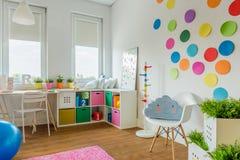 Jogando a sala para a criança Fotos de Stock Royalty Free