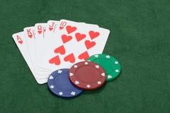 Jogando um jogo de vencimento do pôquer Fotos de Stock Royalty Free
