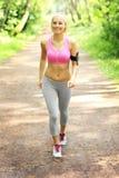Jogger w lesie fotografia royalty free