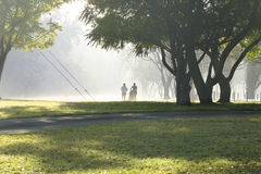 joggers två royaltyfria foton