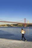 jogging γυναίκα Στοκ εικόνα με δικαίωμα ελεύθερης χρήσης