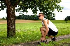 Jogging μέσω των πεδίων στοκ φωτογραφίες