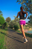 jogging νεολαίες γυναικών πάρκ&om Στοκ φωτογραφία με δικαίωμα ελεύθερης χρήσης