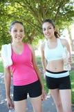 jogging όμορφες αδελφές Στοκ Εικόνες