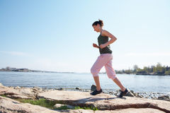 jogging девушки подростковый Стоковые Изображения RF