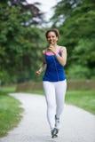 Jogging женщины Стоковая Фотография RF