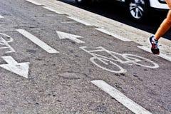 Jogging на следе велосипеда Стоковое Изображение RF