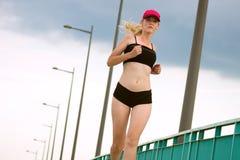 Jogging привлекательная женщина Стоковые Фото