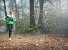 Jogging девушки Стоковое Изображение RF