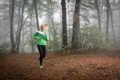Jogging девушки Стоковое фото RF