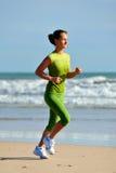 jogging детеныши женщины Стоковое Изображение RF