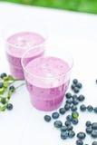 Joghurterschütterung mit Blaubeere Lizenzfreies Stockbild