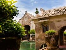 JOGJA INDONESIEN - AUGUSTI 12, 2O17: Slott för Taman sarivatten av Yogyakarta på den Java ön, Indonesien Fotografering för Bildbyråer