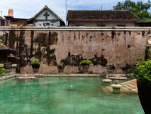 JOGJA INDONESIEN - AUGUSTI 12, 2O17: Slott för Taman sarivatten av Yogyakarta på den Java ön, Indonesien Arkivbilder