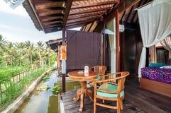 Joglo husbalkong i traditionell villa Royaltyfria Bilder