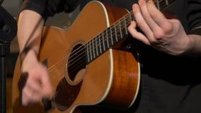 Jogo acústico, clássico, de madeira da guitarra video estoque
