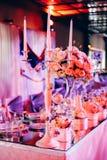 Jogo bonito da tabela do casamento Conceito do copo de água Fotos de Stock