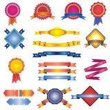 Jogo colorido de etiquetas, de emblemas e de fitas do vintage Imagem de Stock Royalty Free