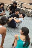 Jogo da improvisação em Miraflores, Lima, Peru Foto de Stock Royalty Free