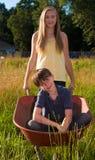 Jogo da irmã e do irmão Imagem de Stock Royalty Free