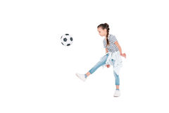 Jogo da menina com bola do futebol Fotos de Stock Royalty Free